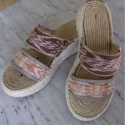 sandal-tenun